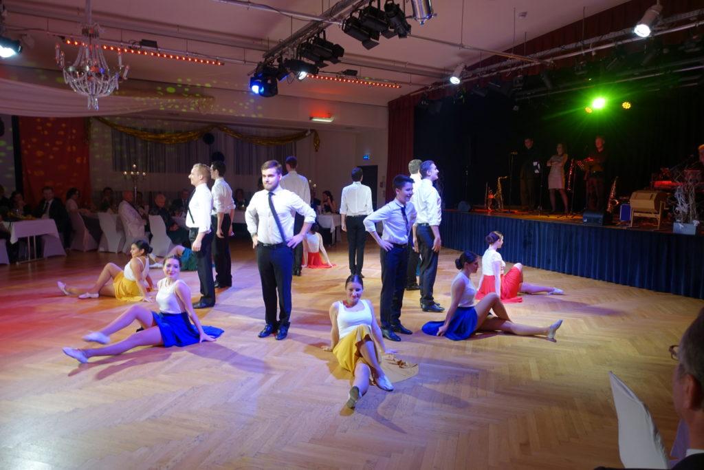 Dance – dance – dance!